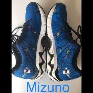 Mizuno  10 wave inspire running sneakers size 10.5